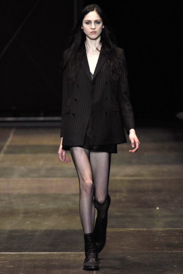 saint_laurent_pasarela_325363777_683x